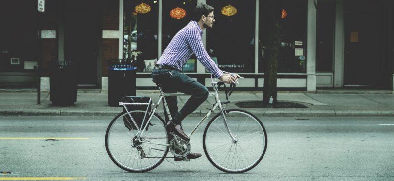 Guy-on-bike-e1447810415630